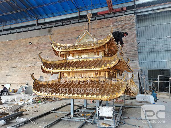 阆中旅游集散地铜塔顶制作中